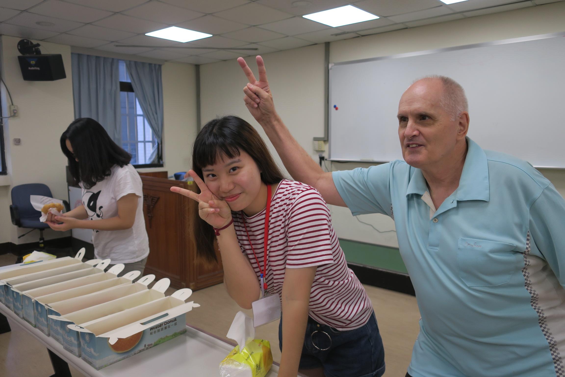 108學年度「暑期大一準新生英語先修班」開始報名囉!